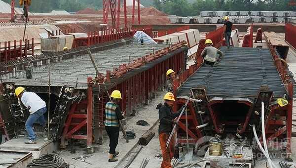 车主指南:武深、汕昆高速公路建设正酣