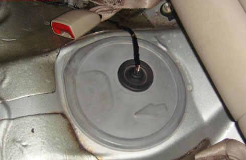丰田卡罗拉汽油滤清器位置,卡罗拉汽油滤芯在哪里