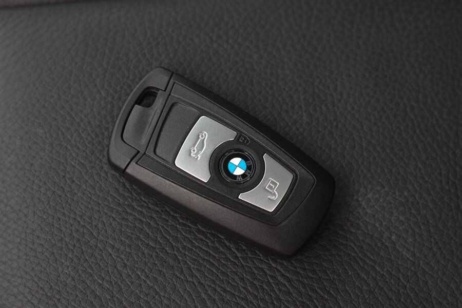 宝马3系换电池注意事项:不要用错电池.图片